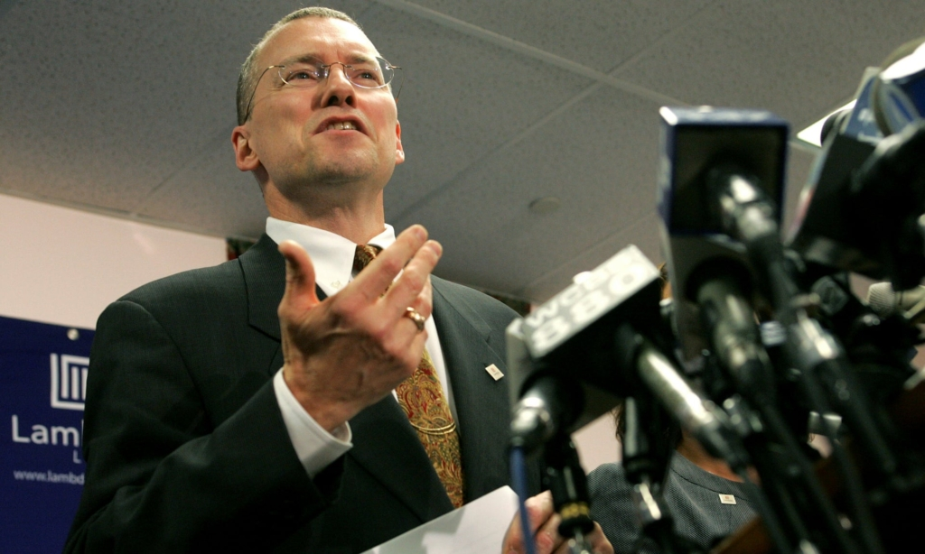 David Buckel at a news conference in Newark, New Jersey, on 25 October 2005. Buckel immolated himself on 14 April 2018 to protest inaction on climate change. Photo: Jeff Zelevansky / Reuters
