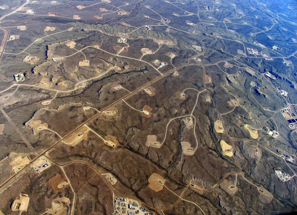 Aerial view of the Jonah Field gasfields in Wyoming, U.S. Photo: Simon Fraser University