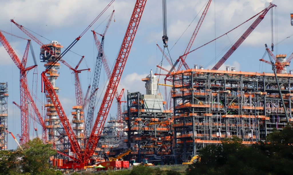 "Shell's ""cracker"" plant under construction in Pennsylvania. Photo: Keith Srakocic / AP"